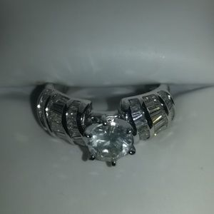 18K White Gold 1.75 tcw Diamond Ring